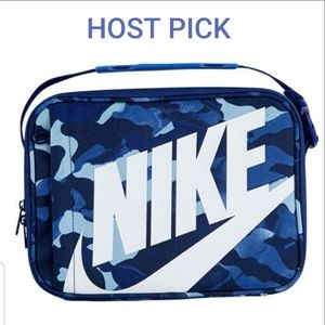 🎉HP🎉Nike camouflage lunch bag